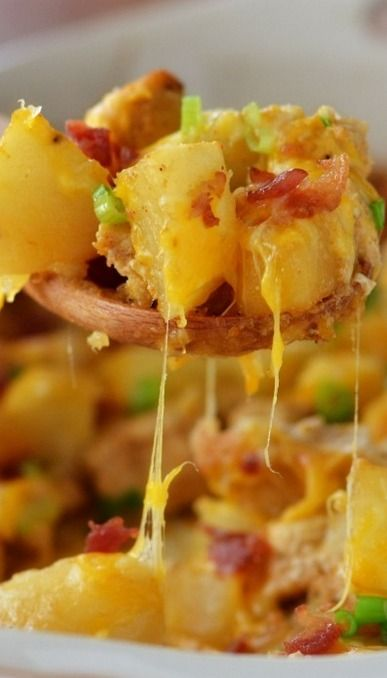 LOADED CHICKEN AND POTATO CASSEROLE RECIPE ~ Seasoned chicken and potatoes, baked together, then topped with bacon, cheese and green onion. This is a phenomenal dish!