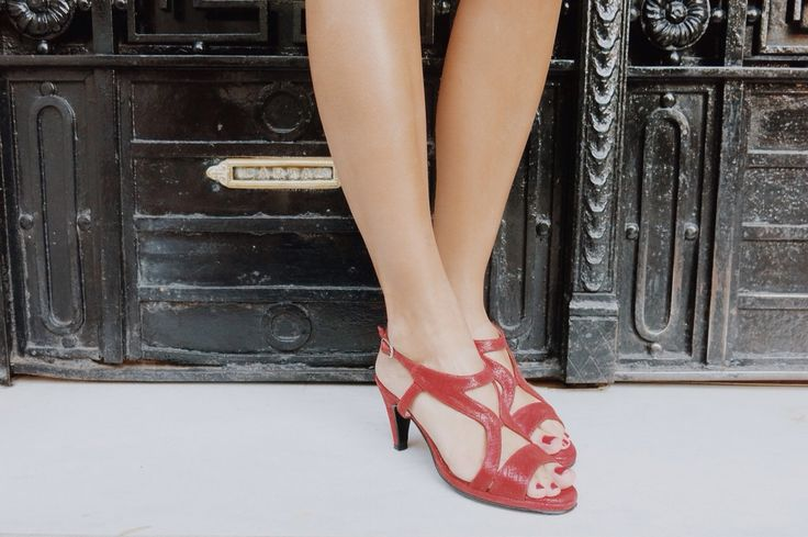 •Red Shoes• www.cameliashoes.com.ar