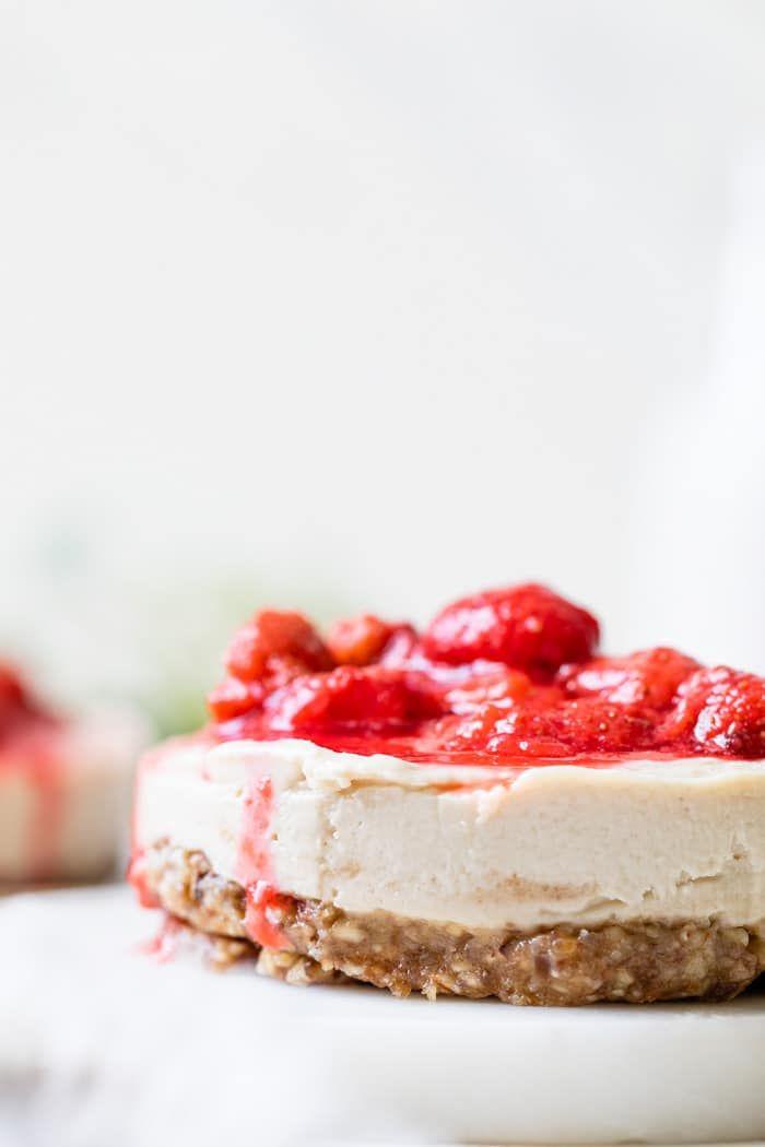 Easy Vegan Cheesecake A No Bake Cheesecake Recipe That S Made With A Cashew Base And No Refined S In 2020 Cheesecake Recipes Vegan Cheesecake Recipe Vegan Cheesecake