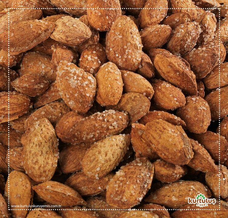 Tuzlu kavrulmuş kabuklu Balıkesir badem :) www.kurtuluskuruyemis.com.tr #kuruyemiş #badem #kabuklubadem #tuzlubadem #onlinekuruyemis