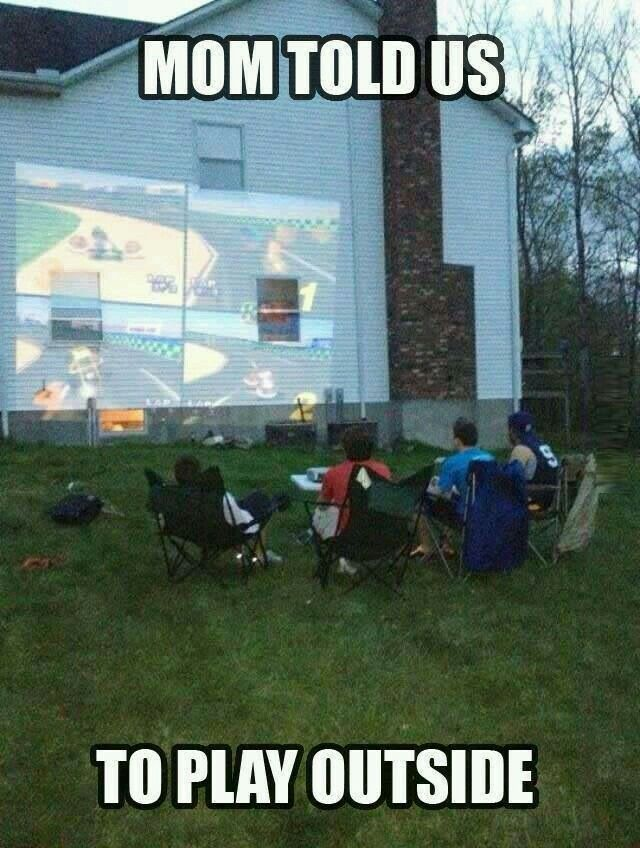 Omg i actually did that on a mini projector screen it was soooo much fun it was like I was in my own outdoor movie theater ... I miss the drive in cenima #lol #hovacone #pic @YTRetweets @YTShoutouts @Quickest_Rts @Gamer_RTweets @Dare_RT @ReTweetQueen86 @retweets_fast Https://www.youtube.com/user/hovacones?Sub_confirmation=1