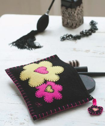 For the Love of Hand Stitching with Jan Constantine Free Project + Giveaway « Sew,Mama,Sew! Blog