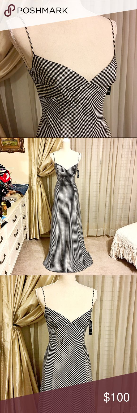 """NWT Laundry Shelli Segal Black White Formal Gown NWT Laundry Shelli Segal Black White Formal checked Gown. Perfect for a wedding, prom or vacation. Never worn and in new condition. Comes from a smoke free home.   💰 Price is negotiable using """"offer button"""" 📦 Next day shipping on all orders! 🚫 No trades ❤️ Top Rated Seller ❤️ Laundry By Shelli Segal Dresses"""