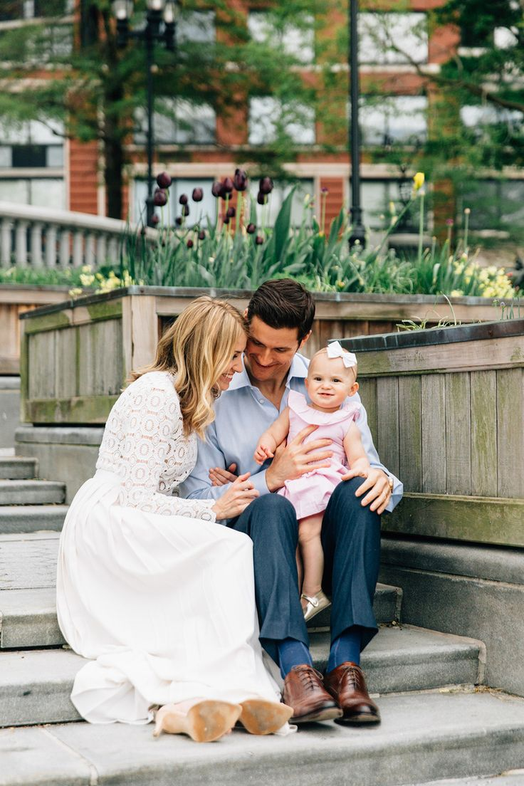 338 best family images on pinterest indoor family for Urban family photo ideas