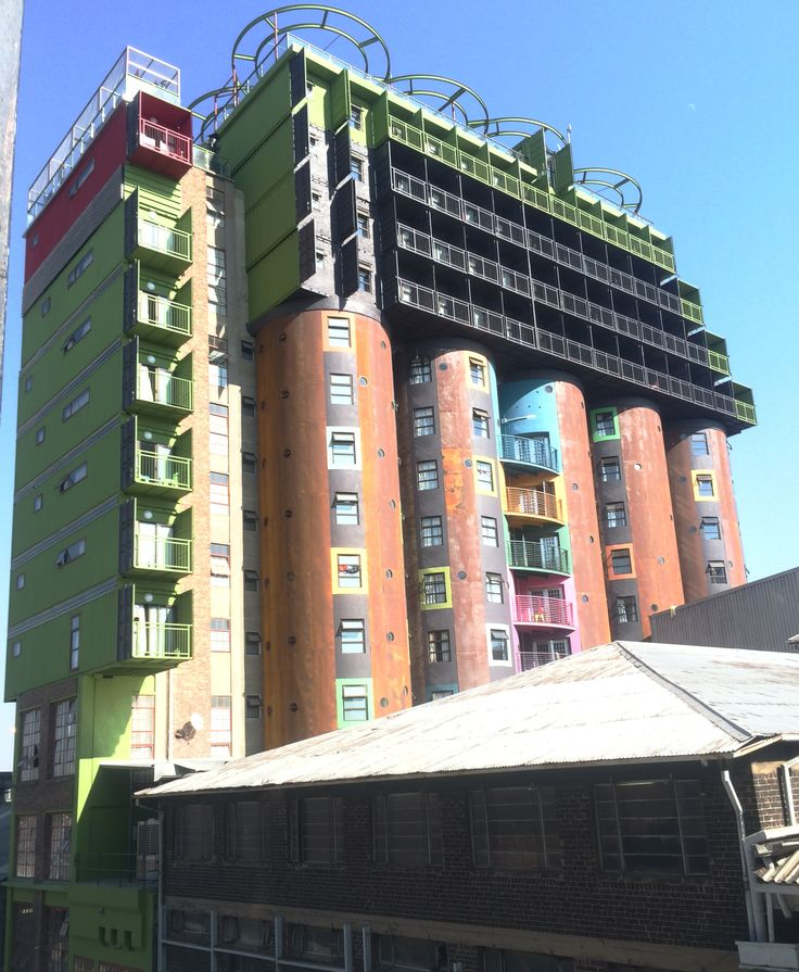 Student Accommodation - Newtown, Johanessburg.  Shipping containers on Silos.