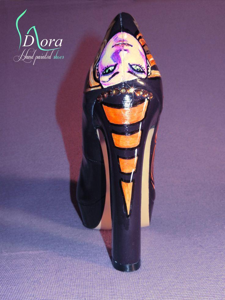 https://www.facebook.com/pages/DORA-Hand-Painted-Shoes/144006675801939  #shoes #handpainted #hand #painted #fashion #art #ooak #scarpe #dipinte #mano #halloween #pumpkins #zucche #gatto #nero #black #cat #witch #strega #hight #heels  #tacco #alto
