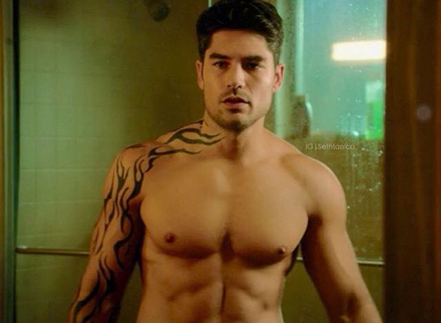 seth gecko 2x04 fdtd pinterest see best ideas about geckos dusk till dawn and dawn. Black Bedroom Furniture Sets. Home Design Ideas