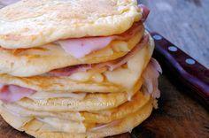 Pancakes salati al formaggio farciti ricetta veloce, facile, idea sfiziosa per la cena, ricetta gustosa, anche per bambini, feste di compleanno, buffet, idea veloce