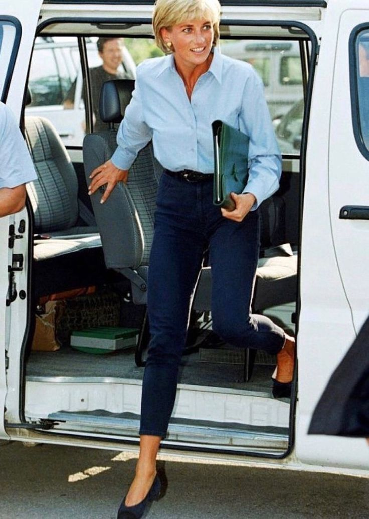 Princess Diana In A Light Blue Oxford Shirt And Jeans