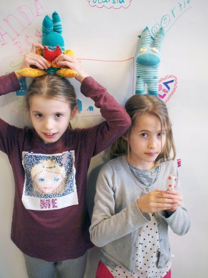 Naschoolse activiteit 'Recycle je Kleding' | Eindpresentatie | Atelier Braakmans Van Beuningen sokpoppen 👏🏻👏🏻