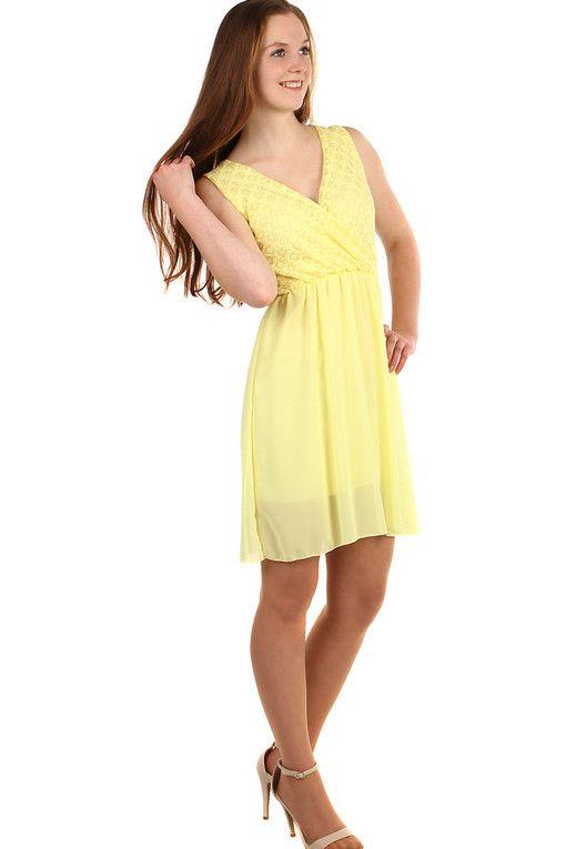 246f9e616ddd Krátké šifonové šaty s krajkou