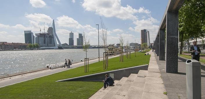 Architectuur in Rotterdam | Fris groen lint van Maaskades