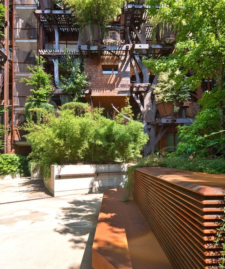 Perfect Integrating Lush Foliage Into All Parts Of This Distinctive Building Which  Has 63 Unique Residential Units, It Gives Residents A Real Taste Of Living  In A ...