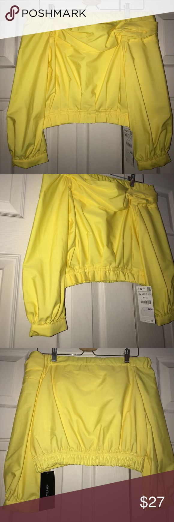 Yellow fitted Bardot top This yellow Bardot top is perfect for bringing attention to an otherwise all black outfit for fall. Zara Tops Blouses