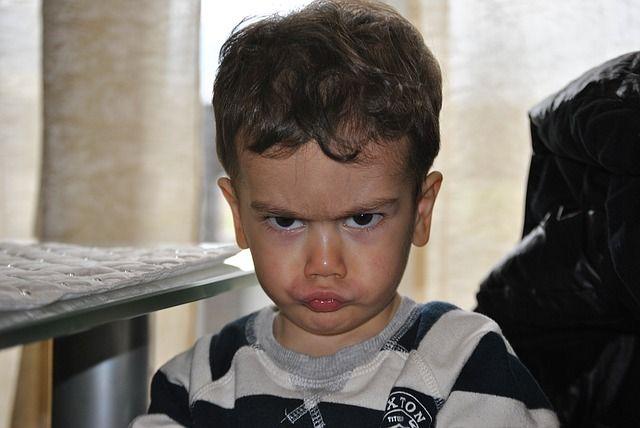 Wie man Kindern in der Trotzphase hilft, mit dem Wutanfall umzugehen - wirksame Strategien und Methoden für Trotzanfälle