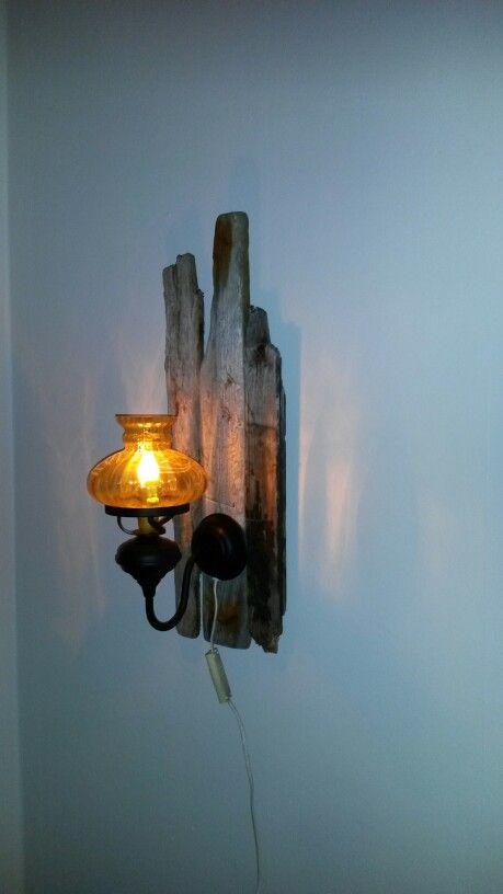 Driftwood, Gammal lampa på drivved