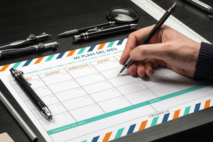 """Empezamos el mes de Febrero con fuerza! Y nada mejor para hacerlo que planificando 2 o 3 objetivos mensuales. ¿Nuestra recomendación? Elige los objetivos, divídelos en tareas, marcalos en el calendario y, sobretodo, cumplelo   Hoy os dejamos una inspiradora frase de Ron White: """"La vida es muy corta para las escusas. Define tus metas y ve tras ellas""""   #Mensual #Missplan"""