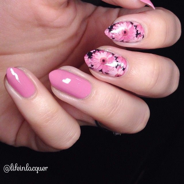 I used @essiepolish Flawless and some full nail water decals for a beautiful spring look.