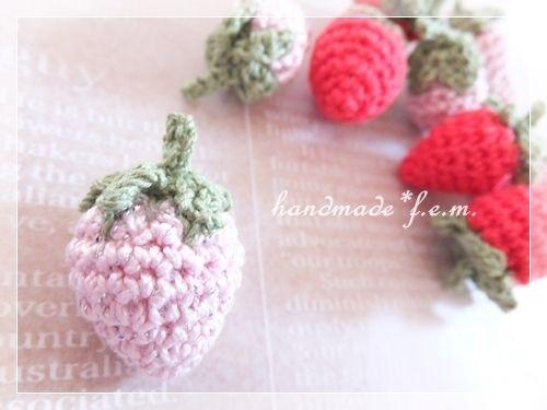 小さな編みイチゴの作り方 編み物 編み物・手芸・ソーイング ハンドメイドカテゴリ アトリエ