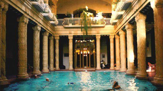 Nella città europea col maggior numero di stabilimenti si trovano bagni storici dal fascino inconfondibile, per una vacanza all'insegna della salute e del relax. La mappa del meglio