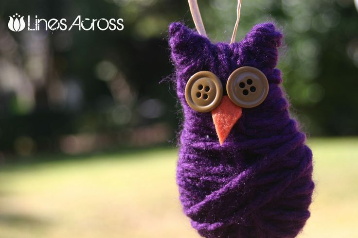"""Lines Across"": Simple Yarn and Button Owl Ornament {Christmas Ornament #5}"