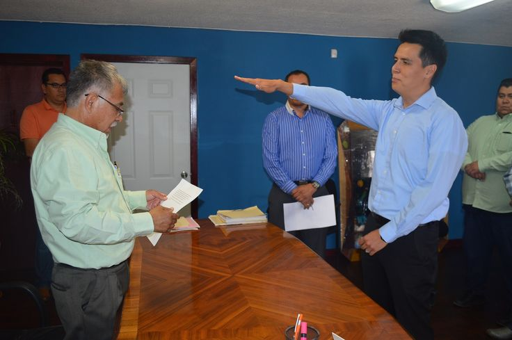 La tarde de este jueves el presidente municipal David Martínez Garrido, tomó protesta al nuevo director de Desarrollo Urbano y Ecología, el arquitecto...