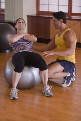 Como apertar a pele sobre o estômago com exercícios