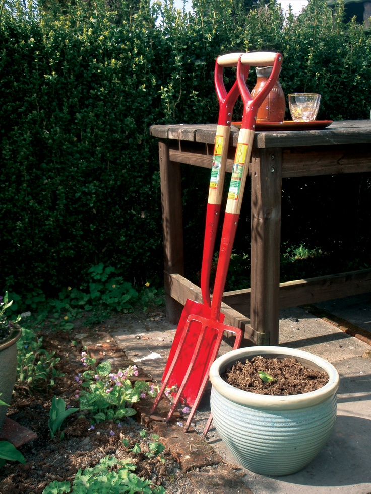 1000 images about garden tools on pinterest terracotta for Gardening tools quality