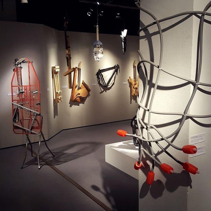 Vernissage de l'exposition ce soir! Beginning of the exhibition tonight! Salon des expositions de l'hôtel de ville de la Celle-Saint-Cloud #homemadeinstruments #musiquesdenullepart