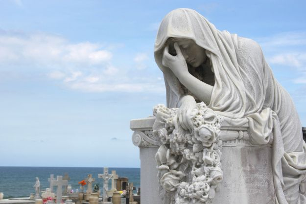 Tombs, Tides & Poetry in Puerto Rico | www.WithTheGrains.com