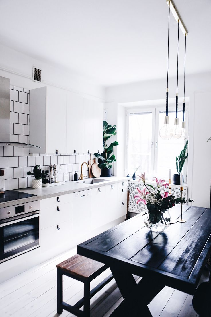 I'm digging this kitchen, especially the concrete counters. Would love to see a raw timber floor though for some warmth.