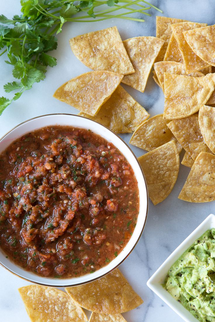 The BEST Homemade Chipotle Salsa