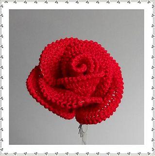 Big Rose pattern by Claudia Giardina