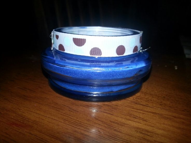 Candle in a coffee jar lid