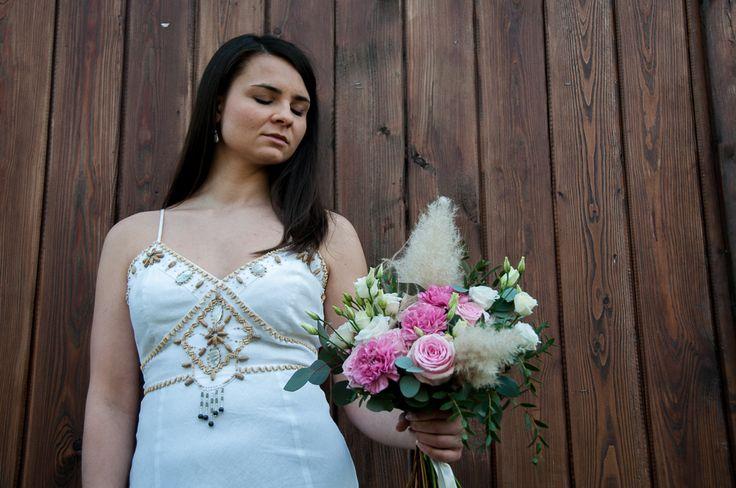 Bukiet Ślubny #slub #bukietslubny #slubneinspiracje #zielonenabialym #slubwplenerze #slubjeleniagora #slubmyslakowice #bohemian #wedding #weddingbouquet #slubboho