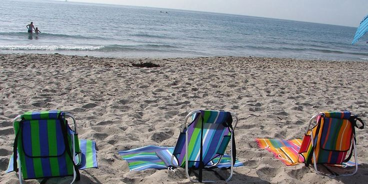 low seat light weight beach chair 1.5 lb, aluminum portable backpack style, fits in suitcase, with pillow, mat and storage pouch.