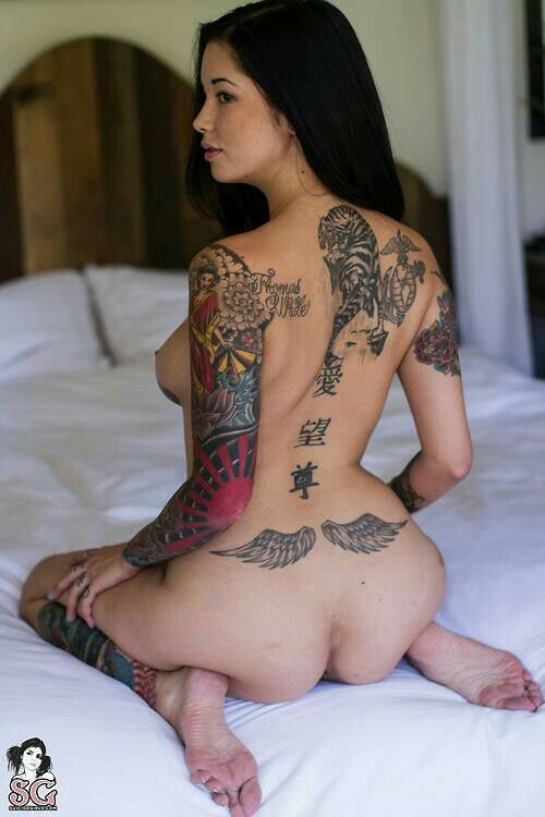 Sexy girls with tats pose nude