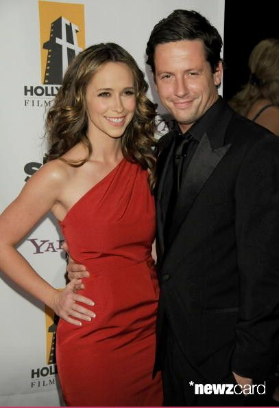 #celebrity - #JenniferLoveHewitt Pregnant, Expecting 2nd Child w/ Husband Brian Hallisay and they are thrilled. http://snip.ly/MzAp via @usweekly  ☛: File Photo: Actress Jennifer Love Hewitt and Husband Ross McCall arrive at the 12th Annual #Hollywood Film Festival Awards Gala at the Beverly Hilton Hotel on October 27, 2008 in Beverly Hills, California.  (Photo by Gregg DeGuire/WireImage)
