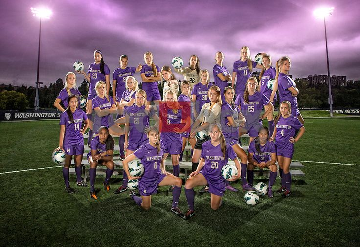 Maybe after a night game, under the lights? sr Soccer team photo idea