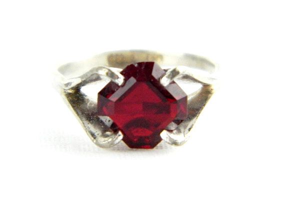 Ancient Style Red Garnet Quartz Handmade Jewellry 925 Sterling Silver Plated 5 Grams Ring Size 9 US