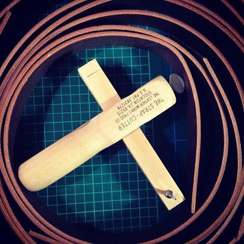 Cutting out belts...pleasant work on a stormy night. . . #leatherbelt #fineleathergoods #leathertools #bridleleather #sedgwick #jesedgwick #handcrafted #madeinromania #atelierzander