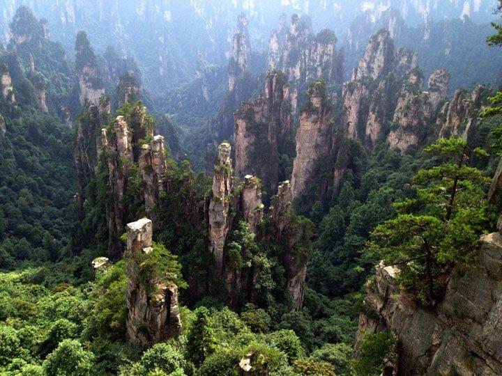 Los picos rocosos de Hunan, China