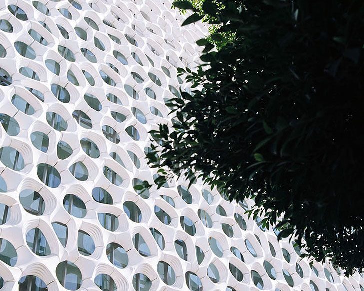 Mexico City's Manuel Gea Gonzalez Hospital Has an Ornate Double Skin that Filters Air Pollution