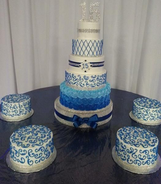 Pasteles para quinceaneras en Dallas Tx. Royale  Wedding and Cake