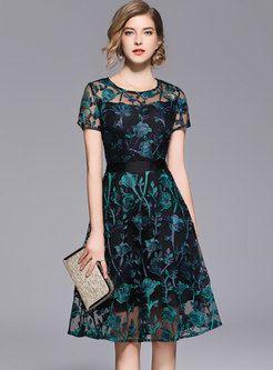9526e3630e2 Vintage Gauze Embroidery Perspective A Line Dress