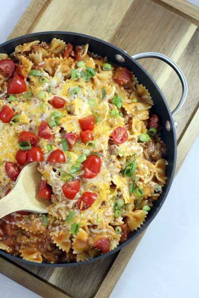One Skillet Cheeseburger Pasta.  Dinner is served!