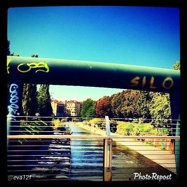 #Torino raccontata dai cittadini per #InTO Foto di @eva12f #torino #torinoècasamia #turin #instaturin #today #saturday #goodmorning #river #sun #settembre #cle #passerella sulla #Dora. La città raccontata in diretta dai cittadini.