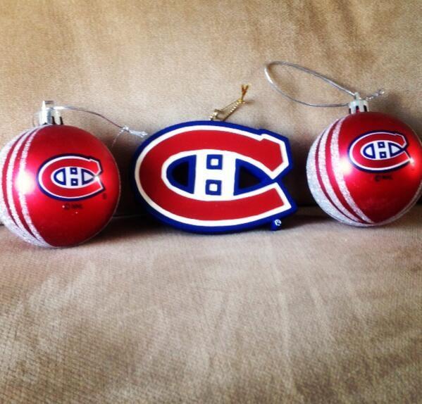 Les meilleures décorations / The best ornaments! (Soumis par / Submitted by @DinaLovesPrice -Twitter)