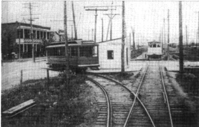 La station de tramway Tétreautville était située à l'angle de Souligny et Des Ormeaux