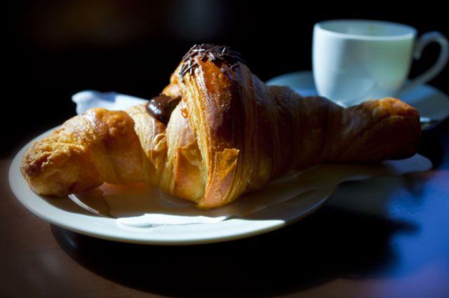 Caffè in piedi e brioche di pasticceria, la colazione a Milano - Style - Il Magazine Moda Uomo del Corriere della Sera